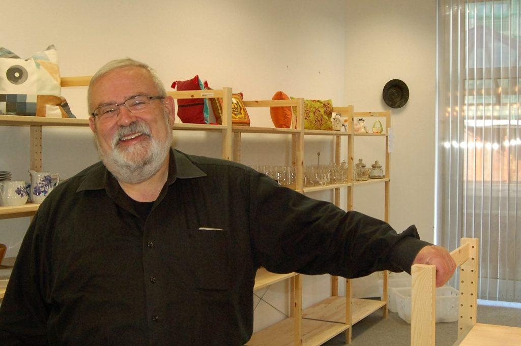 Ulrich Lussem im Sozialkaufhaus an der Dr. Tusch-Straße Frechen
