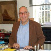 Cornel Lindemann-Berk in seinem Büro im Gut Neu-Hemmerich