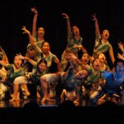 Tanzgruppe der Nittaidai mit Gespenster-Tanz