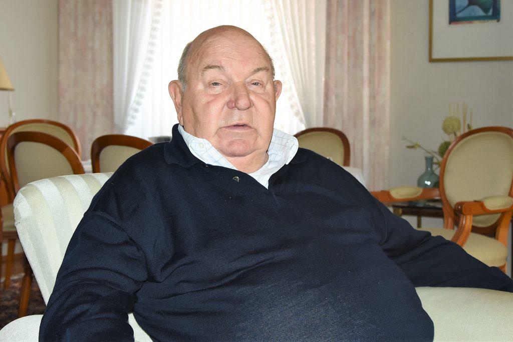 Hans-Willi Meier, Bürgermeister a.D. in seinem Haus in Frechen-Hücheln