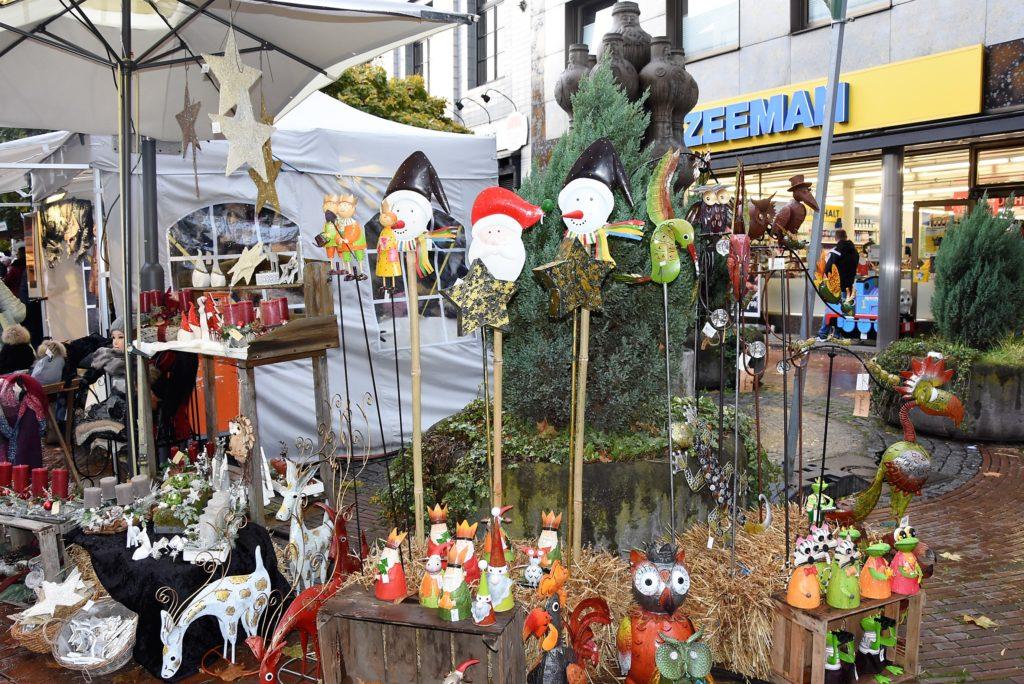 Gartenaccessoires vor Zeeman, Foto: Frechenschau.de