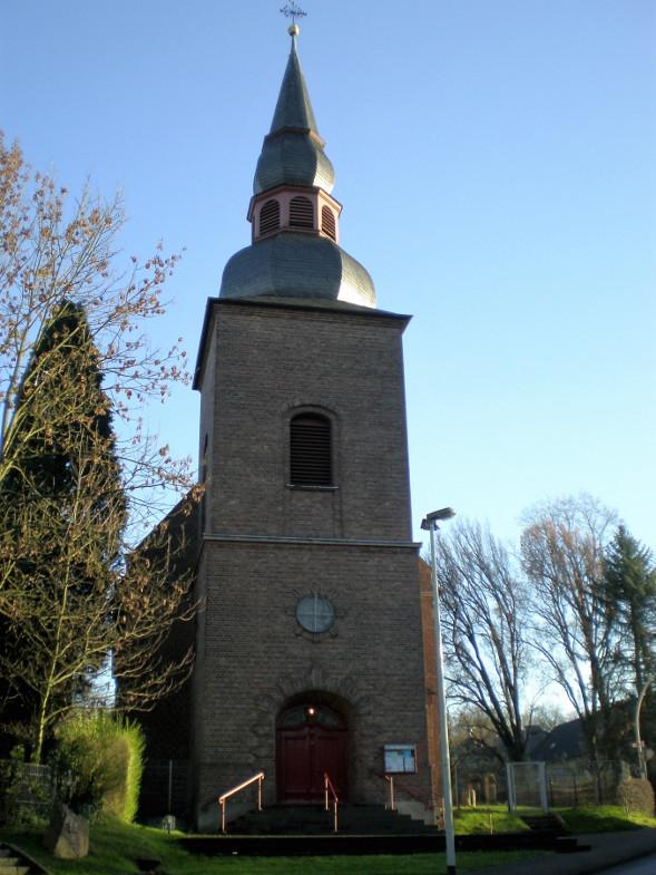 """Bachem-Führer: Mauritiuskirche an der Fürstenbergstraße im so genannten """"Oberdorf"""""""