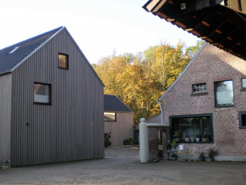 Bachem-Führer: Feldhof (Mühle) westlich der Bachemer Burg, erreichbar über die Schloßstraße Ecke Berrenrather Straße.