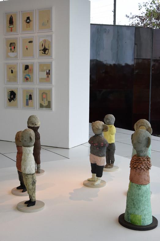 Zeichnungen und Plastiken von Anna Dorothea Klug in der Ausstellung zum Frechener Keramikpreis 2018 im Keramion