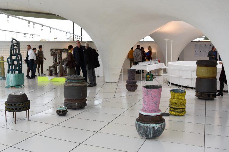 Exponate von Sarah Bartmann im Keramion in der Ausstellung zum Keramikpreis 2018