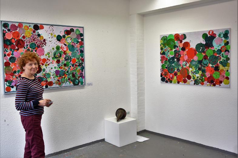 Angelika Kissing in ihrem Atelier im Kunstzentrum Signalwerk