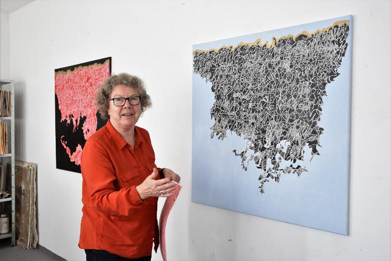 Gisela Tschauner in ihrem Atelier im Kunstzentrum Signalwerk