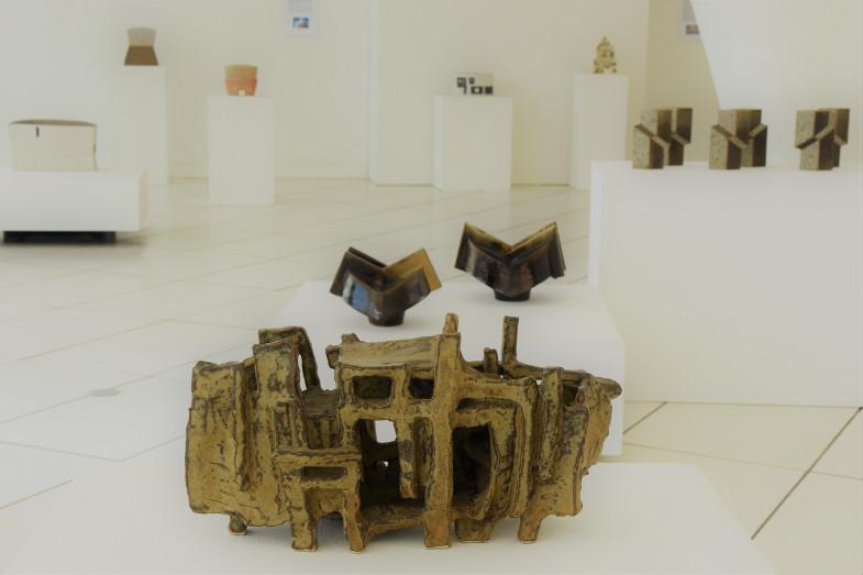 Plastik von Dieter Crumbiegel, 1969, Ausstellung #architektur! im Keramion