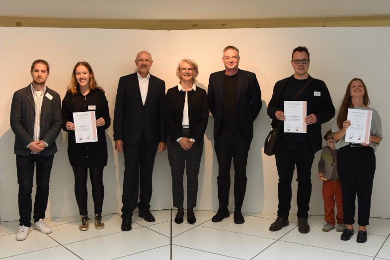 Preisträger und Jurymitglieder des Wettbewerbs 3D-Druck Keramik im Keramion