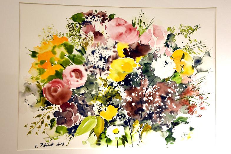 Christian Plück, Blumenarrangement in der Ausstellung Querschnitte
