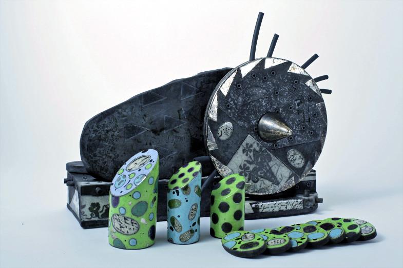 """Ausstellung Stillleben im Keramion: Judith Püschel, """"Aufschnittmaschine"""", 2019"""