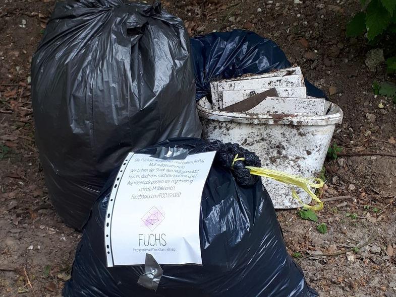 Müllsammelstelle an der Berrenrather Straße in Frechen am 23. Mai 2020, gekennzeichnet vom FUCHS.