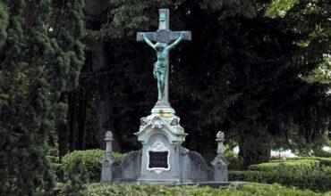 Grabmahlwand auf dem Königsdorfer Friedhof Süd